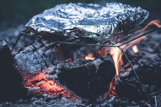 焚き火で焼き芋を一番おいしく作る方法!