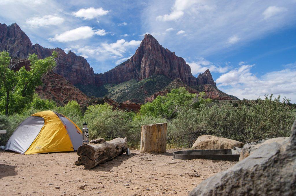 キャンプ時に注意したいテントやタープの配置で大事なポイントとは!_1