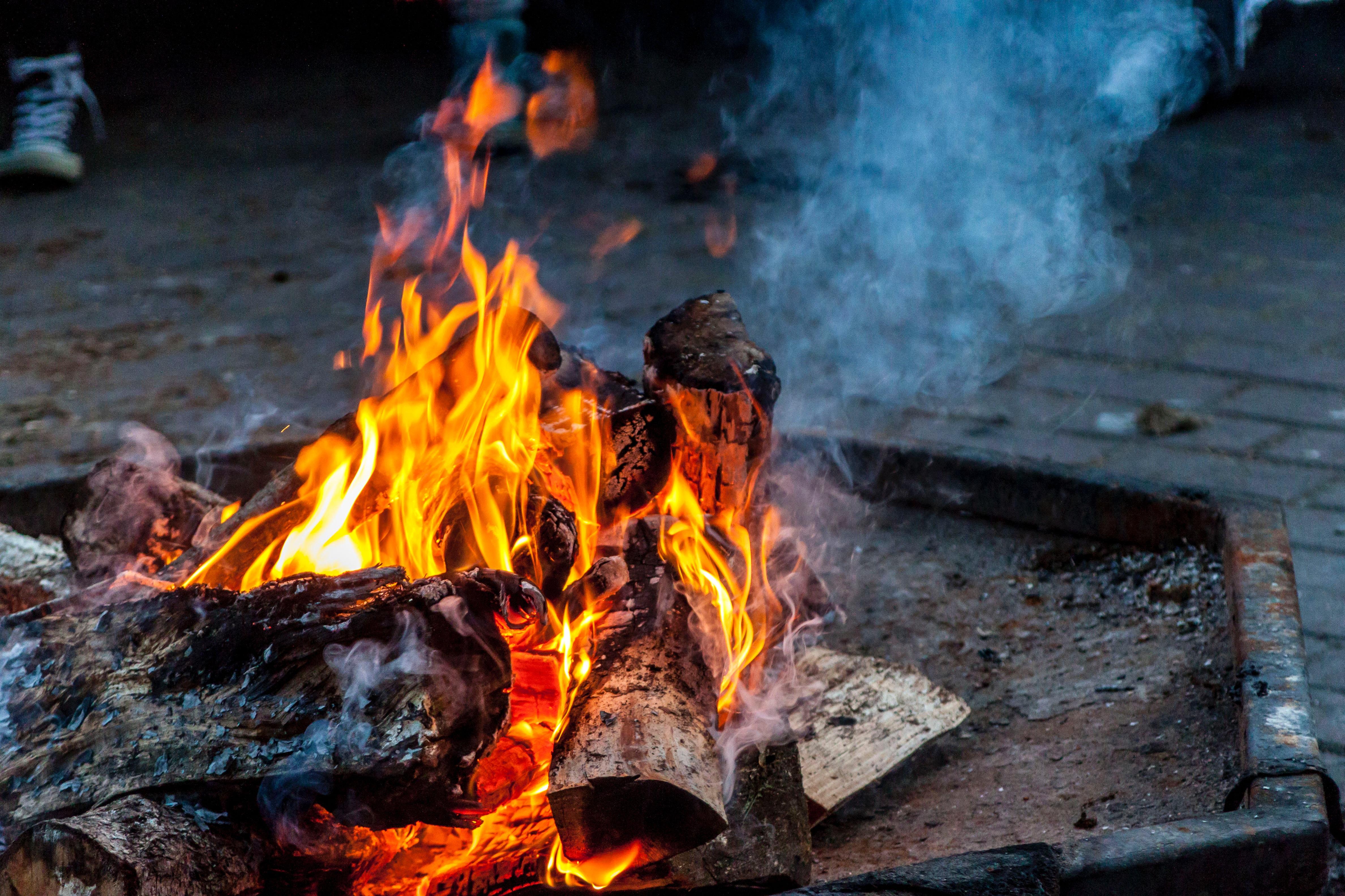 基礎から学ぶ焚き火のやり方!